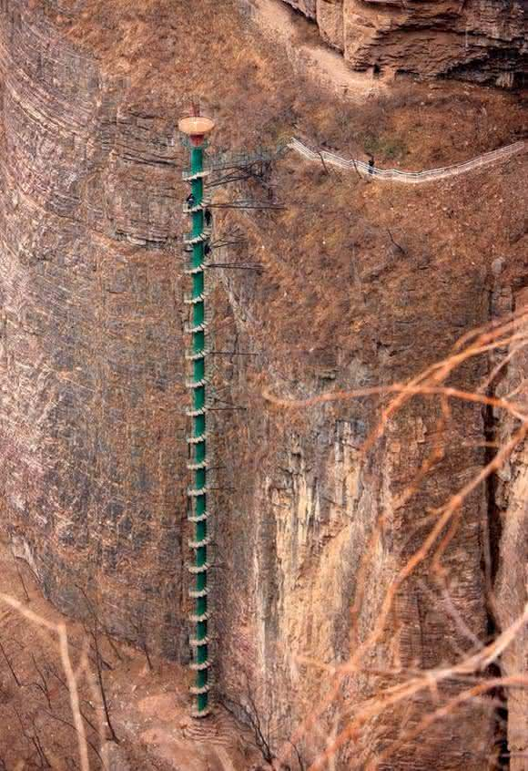 escada em espiral da china2